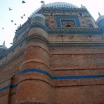 pigeons_flying_on_the_Tomb