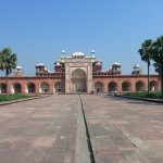 tomb-of-akbar-the-great