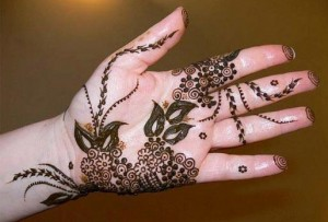 Party Hand Mehndi Design for Ladies e1359309650441 300x203 Pakistani Mehndi Designs (Henna)