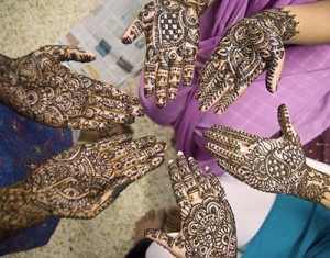 Complex Mehndi Designs on Hands