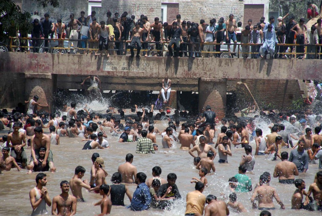 lahore canal in summer