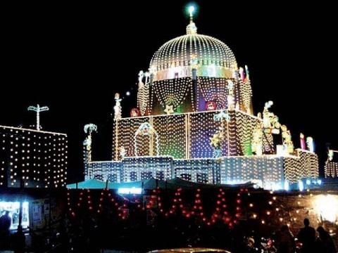 bahauddin Zakariya tomb in night