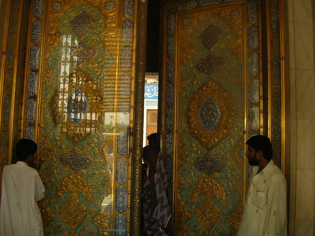 door of the tomb, hazrat laal shebaz qalandar