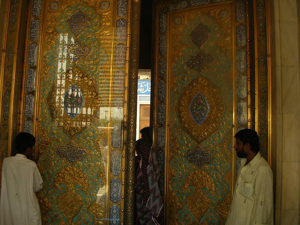 door of the tomb, hazrat laal shebaz qalandar